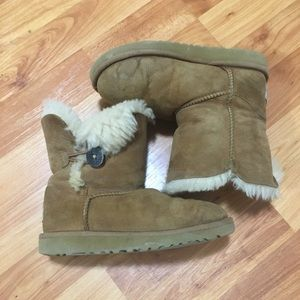Little girls Ugg boots Size 1
